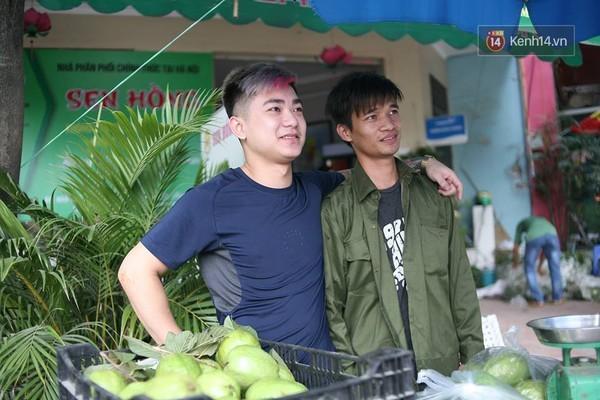 Lệ Rơi bán ổi giữa phố Hà Nội