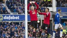 """Xé lưới Everton, Rooney """"nổ"""" vang trời"""