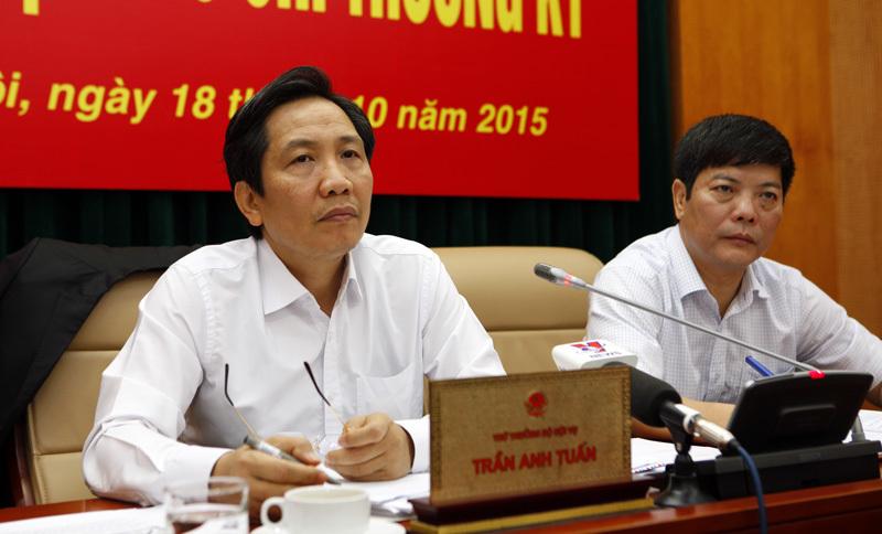 Bộ Nội vụ kiểm tra nghi vấn 'bôi trơn' làm viên chức