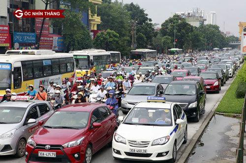 Tham gia giao thông: Không thiếu 'anh hùng'