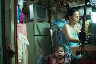 Lạ Sài Gòn: Sống trong nhà, ngủ ngoài đường