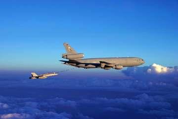 Chiến cơ Thụy Sĩ áp sát máy bay chở quan chức Nga