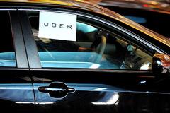 Nhiều đàn ông Việt dùng Uber để tìm 'của lạ'