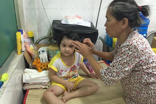Con bệnh cha khó: Đưa về không được ở không xong