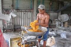 Ruốc thịt gà trộn bột mì, hóa chất