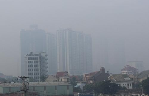 Sài Gòn lại mờ ảo trong sương mù