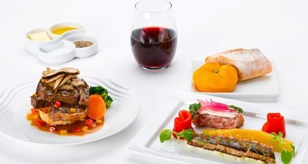 10 hãng hàng không có đồ ăn ngon nhất thế giới