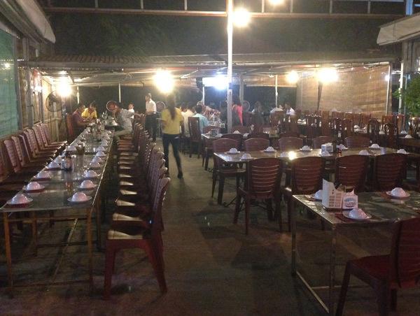 Đêm vượt sông Hồng nhập khu ăn chơi nổi nhất Long Biên