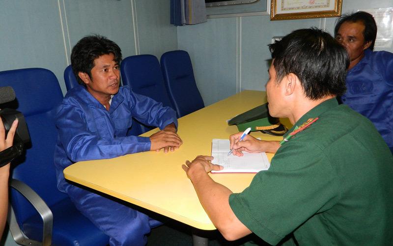 Tàu cảnh sát biển TQ ngăn cản tàu VN cứu ngư dân