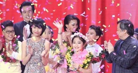 'Công chúa tóc mây' Hồng Minh đăng quang tại The Voice Kids 2015