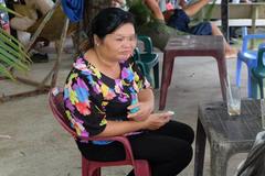 Nước mắt căm hận của người vợ bị chồng tông xe