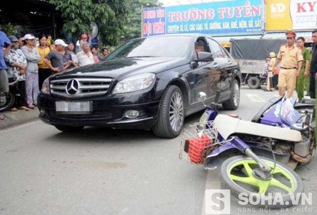 Người vợ bị chồng tông xe xuống tóc cầu công bằng