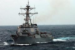 Tàu chiến TQ bám đuôi khu trục Mỹ ở Biển Đông