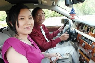 Vui với vợ trẻ, đại gia Lê Ân lại lôi vợ cũ ra tòa