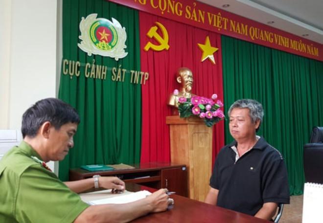 Đại gia Việt bị truy lùng: Ôm tiền tỷ trốn qua Campuchia