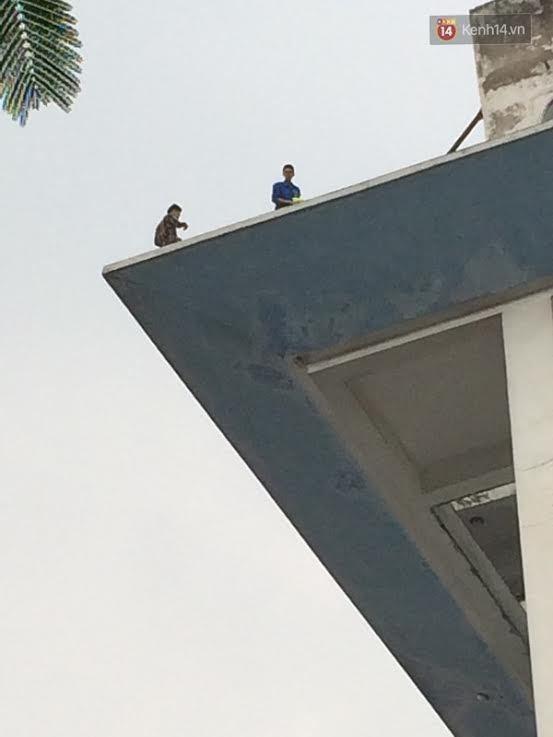 ĐH Xây dựng, vắt vẻo tầng 10