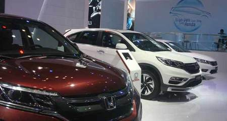 Trình diễn 'bộ sưu tập' ô tô các loại trị giá 250 tỷ