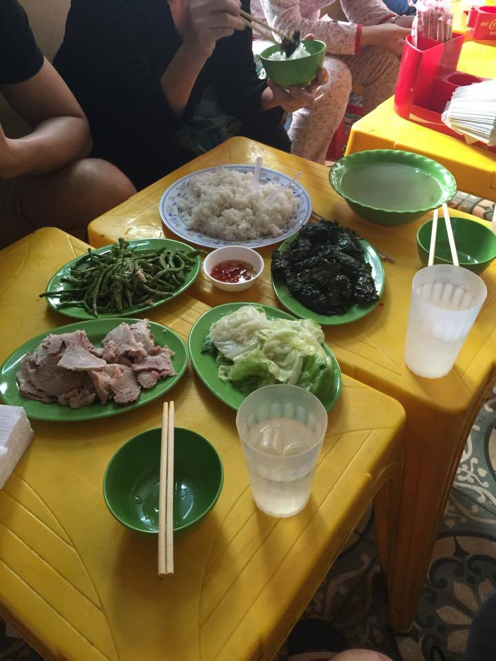 quán cơm, bình dân, bệnh viện, chặt chém, Bạch Mai