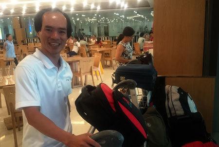 Xe đẩy hàng sân bay Tân Sơn Nhất gây tê như... điện giật