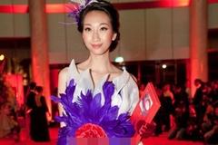 """Rùng mình vì thời trang """"thảm họa"""" của Hồng Quế, Phi Thanh Vân"""