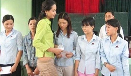 Ngọc Hân, Mai Phương Thúy, Diễm Hương, lộ hàng, hoa hậu, vietnamnet