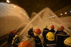 Hàng trăm người chữa cháy ở hầm Thủ Thiêm
