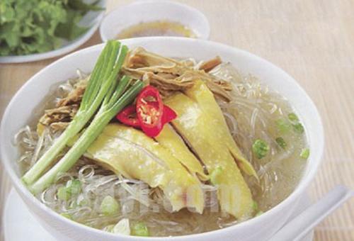 Bắc Kạn, Tôm chua, cá nướng Ba Bể, miến dong Na Rì, chuối hột rừng, thịt lợn gác bếp, bánh pẻng phạ, rau sắng