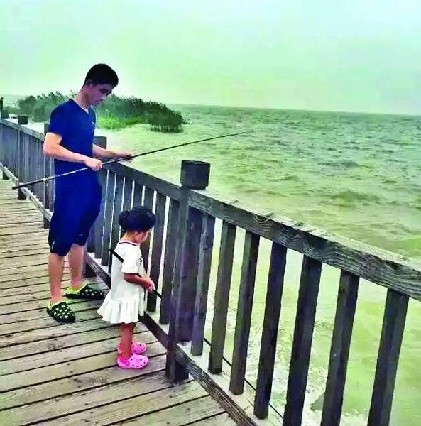 cha, con gái, du lịch, bỏ việc, bán nhà, công ty, vòng quanh thế giới, Trung Quốc, Thượng Hải