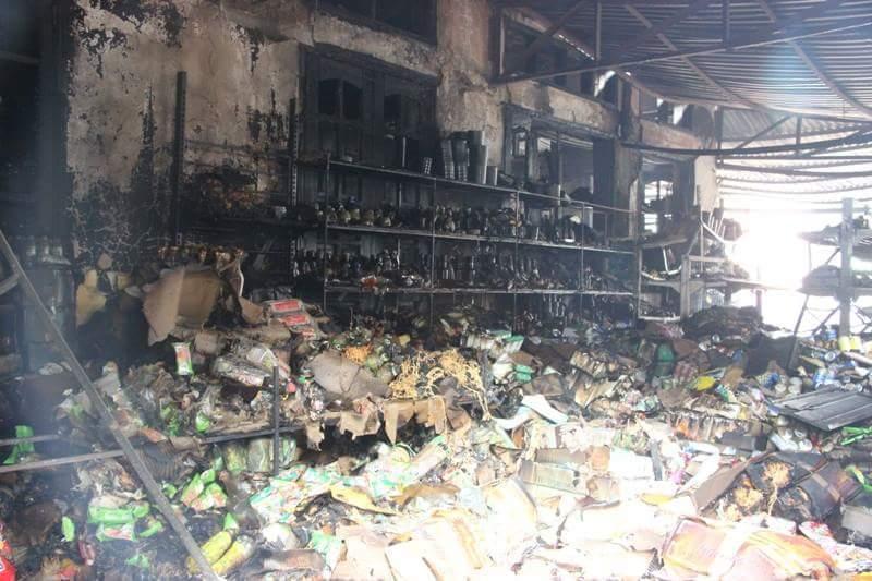 Hà Nội: 3 cửa hàng tạp hóa bị thiêu rụi