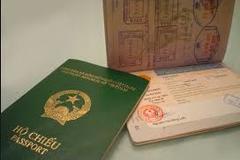 Việt kiều muốn nhập lại quốc tịch dễ hay khó?