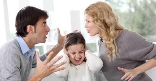 Ứng xử thông minh để con không tổn thương khi cha mẹ ly hôn