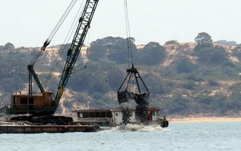 Tạm dừng nuôi trồng thủy sản để nạo vét vịnh Cam Ranh