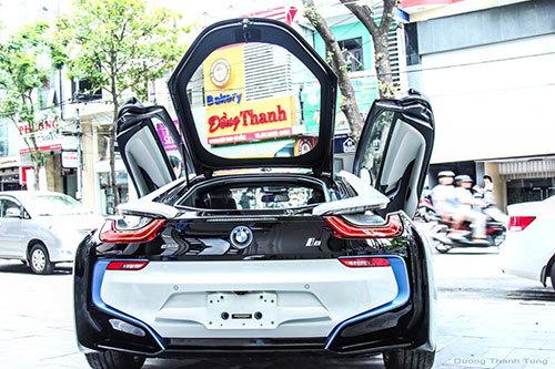 Đại gia Đà Nẵng chơi sang: Mua cặp đôi siêu xe BMW i8