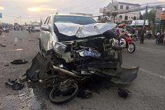 Xe biển xanh gây tai nạn kinh hoàng, 2 người thương vong