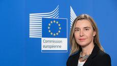 Khi châu lục Âu, Á cùng đối diện những thách thức