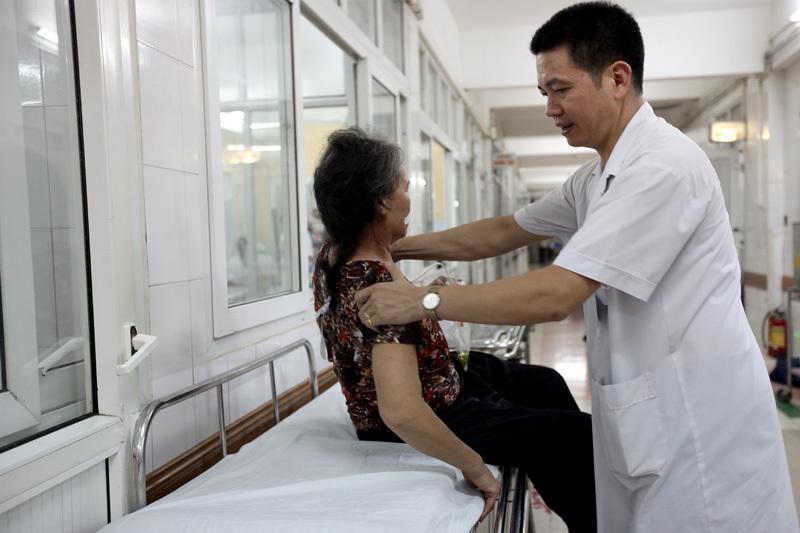 cấp cứu, Chợ Rẫy, Việt Đức, bệnh nhân