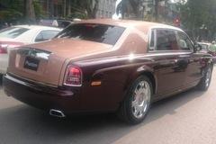 Rolls-Royce Phantom lửa thiêng 50 tỷ không biển 'náo loạn' phố Hà Nội