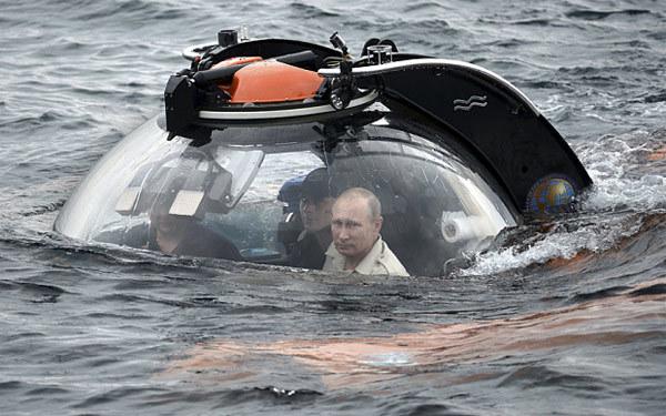 Những bức ảnh lột tả sức mạnh của Putin