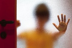 Bí ẩn căn nhà gắn kín camera của kẻ lạm dụng trẻ em