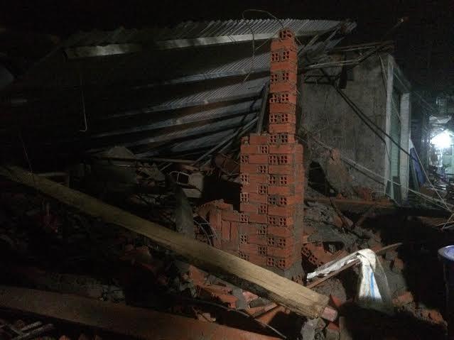 Sập nhà đang xây, 1 người chết, 10 người bị thương