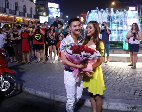 Hoa khôi, Quang Anh, Thu Hằng, cầu hôn