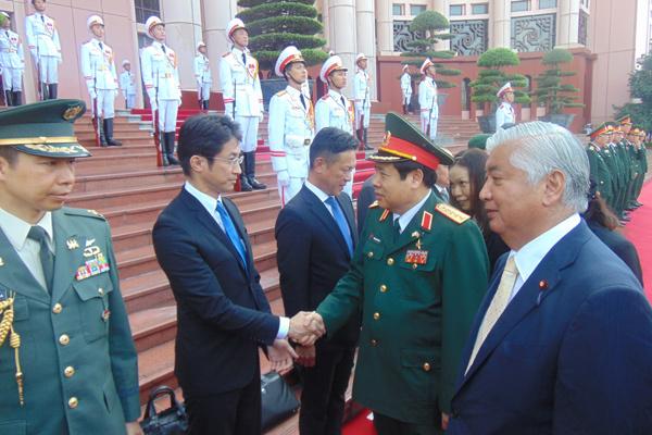 Bộ trưởng Quốc phòng Việt-Nhật bàn về Biển Đông
