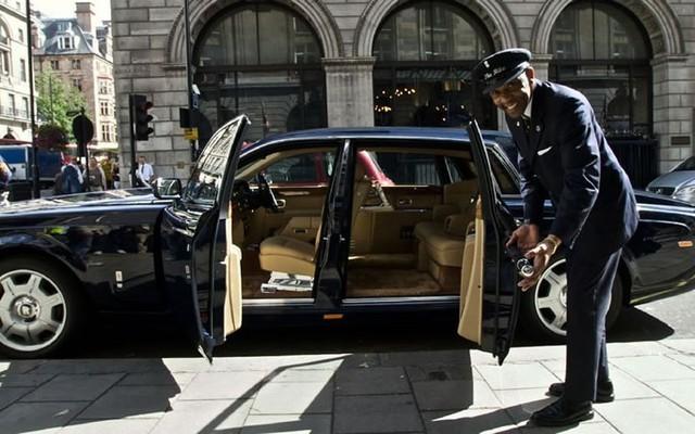 Đẳng cấp như tài xế Rolls-Royce