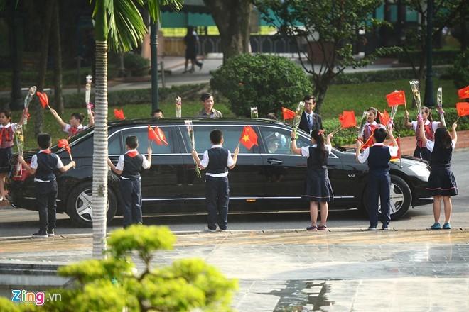 Cận cảnh siêu xe đón ông Tập Cận Bình tại Việt Nam