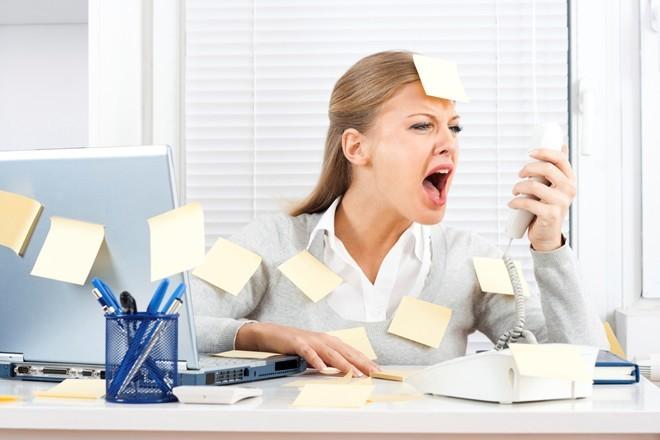 sếp nữ ngành ngân hàng, chia sẻ, nhân viên nghỉ việc, áp lực