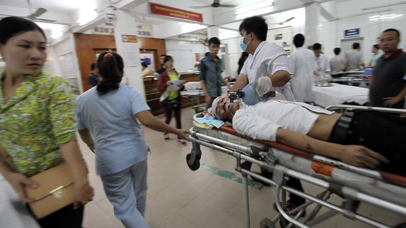 cấp cứu, trực đêm, đêm trắng, bác sĩ, Chợ Rẫy, Việt Đức