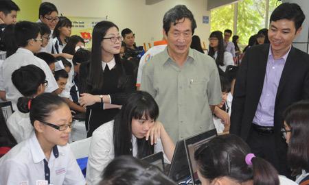Lịch sử, PGS.TS Nghiêm Đình Vỳ, học sinh