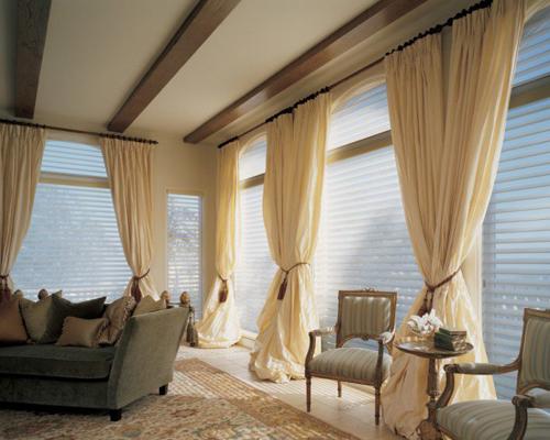 Cách chọn và treo rèm cửa làm sáng bừng phòng khách
