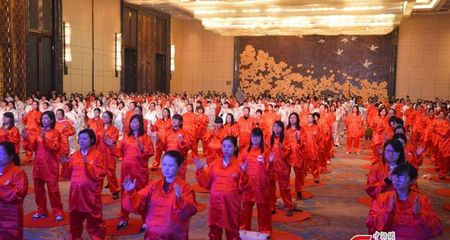 Hơn 400 bà bầu múa quyền lập kỷ lục thế giới