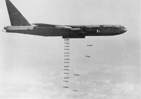 Vì sao Mỹ chưa cho pháo đài bay B-52 'nghỉ hưu'?